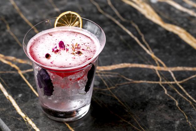 lyserød gin