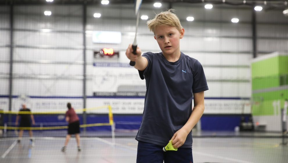 Vil du begynde til badminton? Find det rette badmintontøj